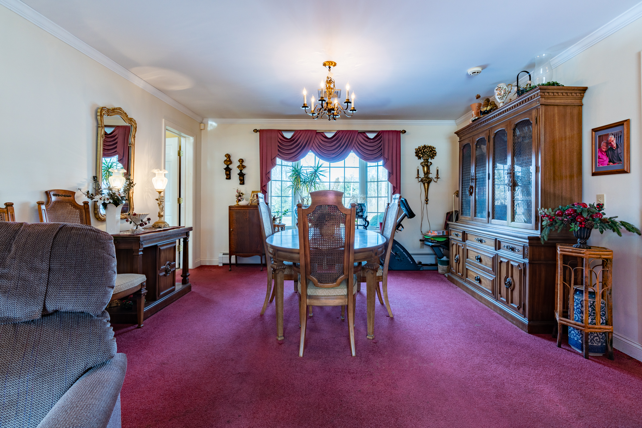 50 Winterwood Dr Southbury in law dining room