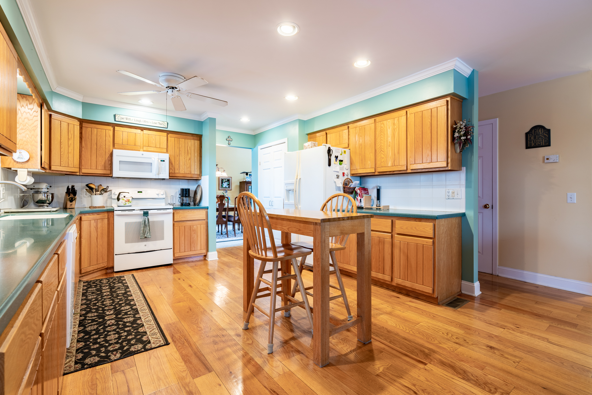 50 Winterwood Dr Southbury kitchen 2