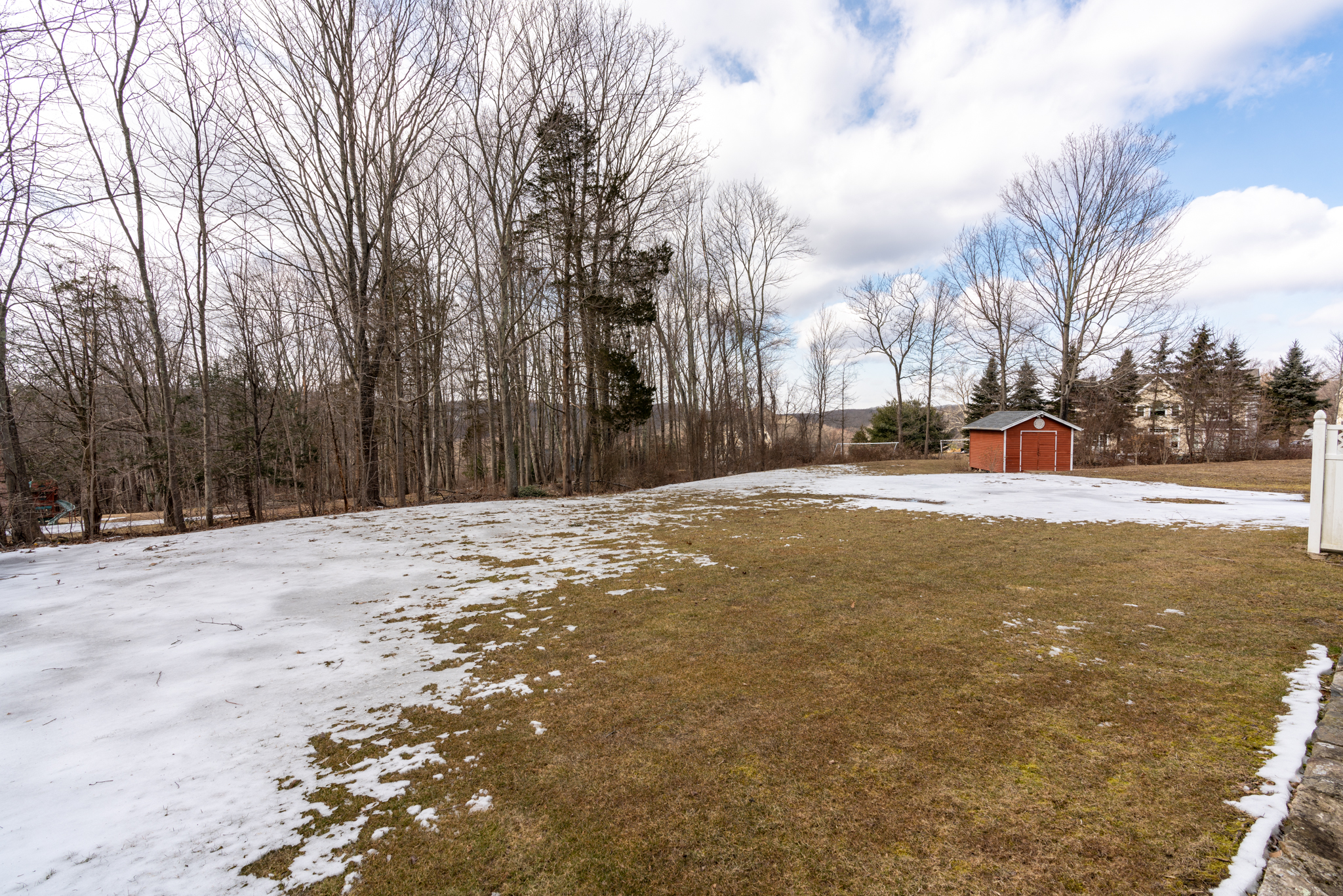 50 Winterwood Dr Southbury yard 1